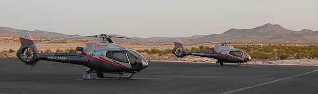 Elicotteri a terra a Las Vegas pronti per la partenza per il Grand Canyon.